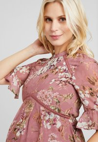 Hope & Ivy Maternity - FLUTED SLEEVE SKATER DRESS - Denní šaty - pink - 5