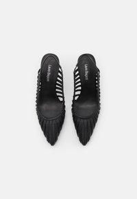Laura Biagiotti - Classic heels - black - 5