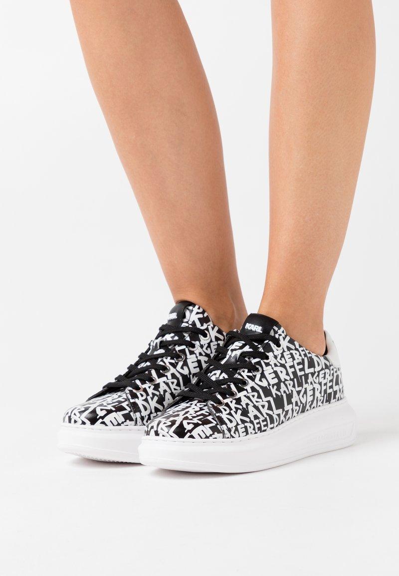 KARL LAGERFELD - KAPRI GRAFFITI LACE - Sneaker low - black/white