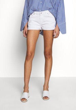 JUDIE - Denim shorts - white wash