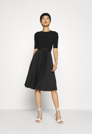 PLEATED SKIRT MIDI DRESS - Denní šaty - black