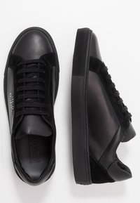 Versace Collection - Sneakersy niskie - black - 1