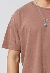 Tigha - ARNE VINTAGE - Basic T-shirt - vintage mahogany - 3