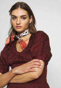 Who What Wear - WAIST DETAIL MIDI DRESS - Day dress - red - 3