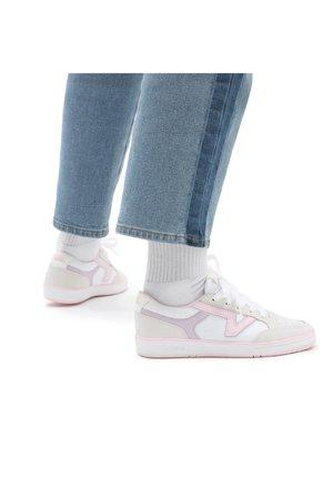 LOWLAND CC UNISEX - Trainers - true white/pink