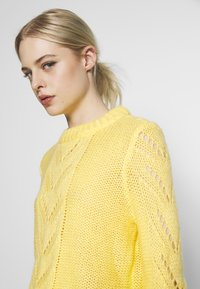 Pieces - Jumper - lemon drop - 3
