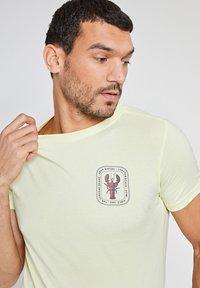 Shiwi - LOBSTER - Print T-shirt - miami lemon - 2