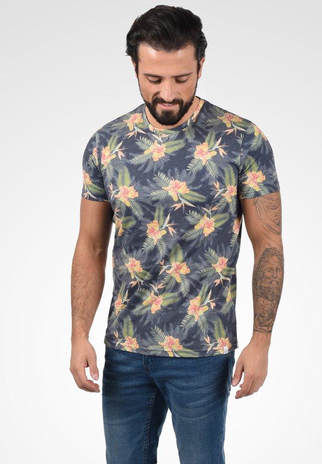 FAIK - T-shirt print - insignia blue