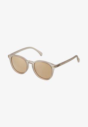 BANDWAGON - Sluneční brýle - matte stone