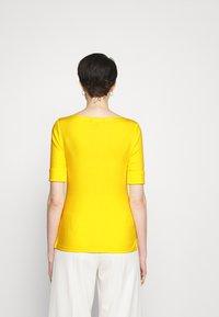 Lauren Ralph Lauren - JUDY - Basic T-shirt - lemon rind - 2