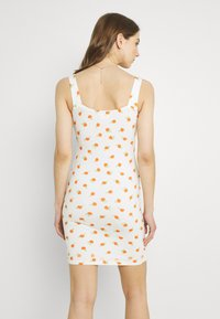 Glamorous - RUCHED BUST CUP MINI DRESS WITH WIDE STRAPS AND FRONT NECK - Kjole - white/orange/rose - 2