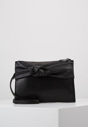 KORI - Clutch - black