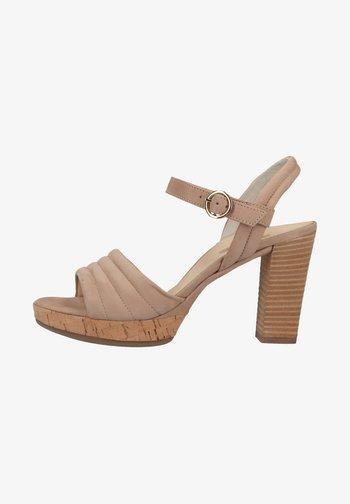 Sandali con tacco - beige