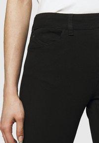 Emporio Armani - Jeans Skinny Fit - black denim - 3