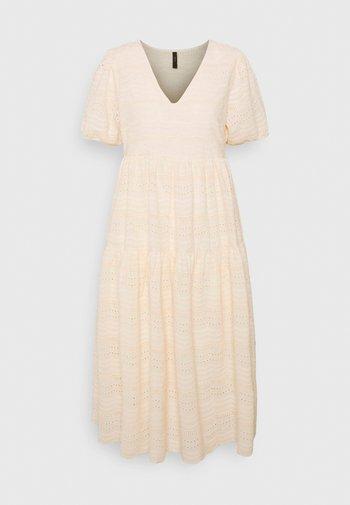 YASEVA MIDI DRESS - Day dress - eggnog