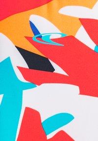 O'Neill - SURU SKIN - Camiseta de lycra/neopreno - blue/red - 2