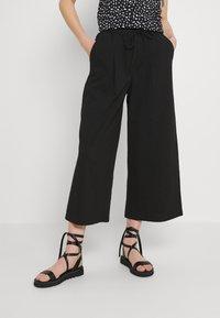 ONLY - ONLKIRAS LIFE CULOTTE PANTS - Trousers - black - 0