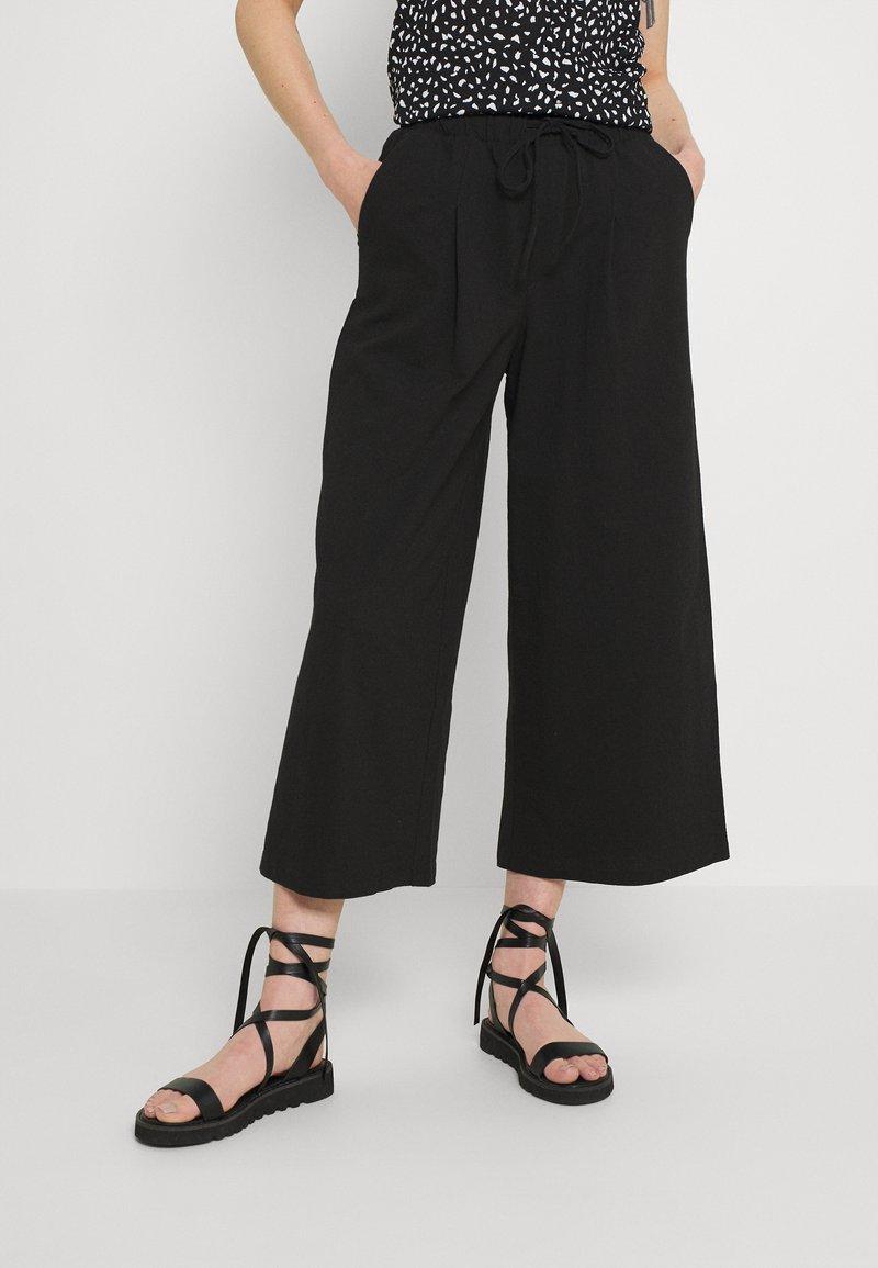 ONLY - ONLKIRAS LIFE CULOTTE PANTS - Trousers - black