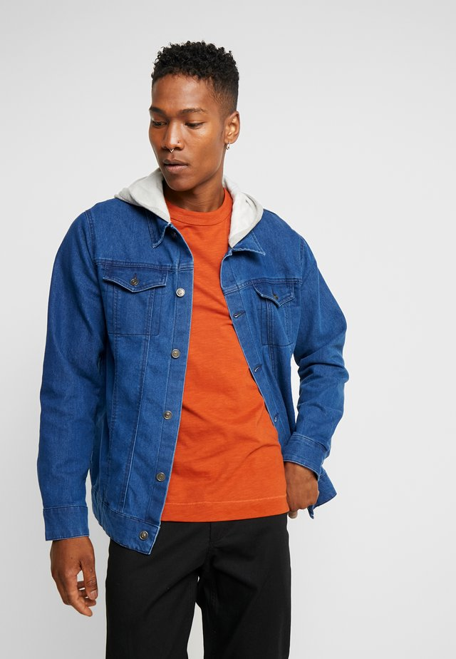 JACKET WITH HOOD - Giacca di jeans - mid wash