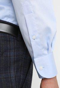Tommy Hilfiger Tailored - REGULAR FIT - Formal shirt - blue - 3