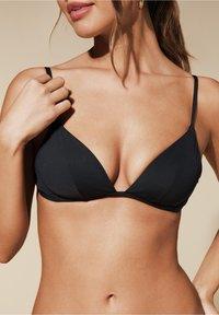 Calzedonia - MIT WEICHER WATTIERUNG INDONESIA - Bikini top - nero - 0