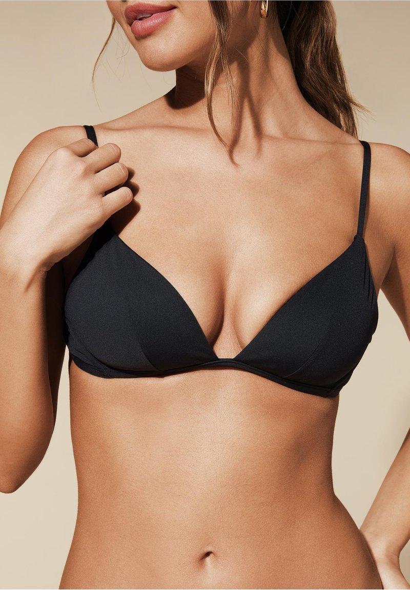 Calzedonia - MIT WEICHER WATTIERUNG INDONESIA - Bikini top - nero