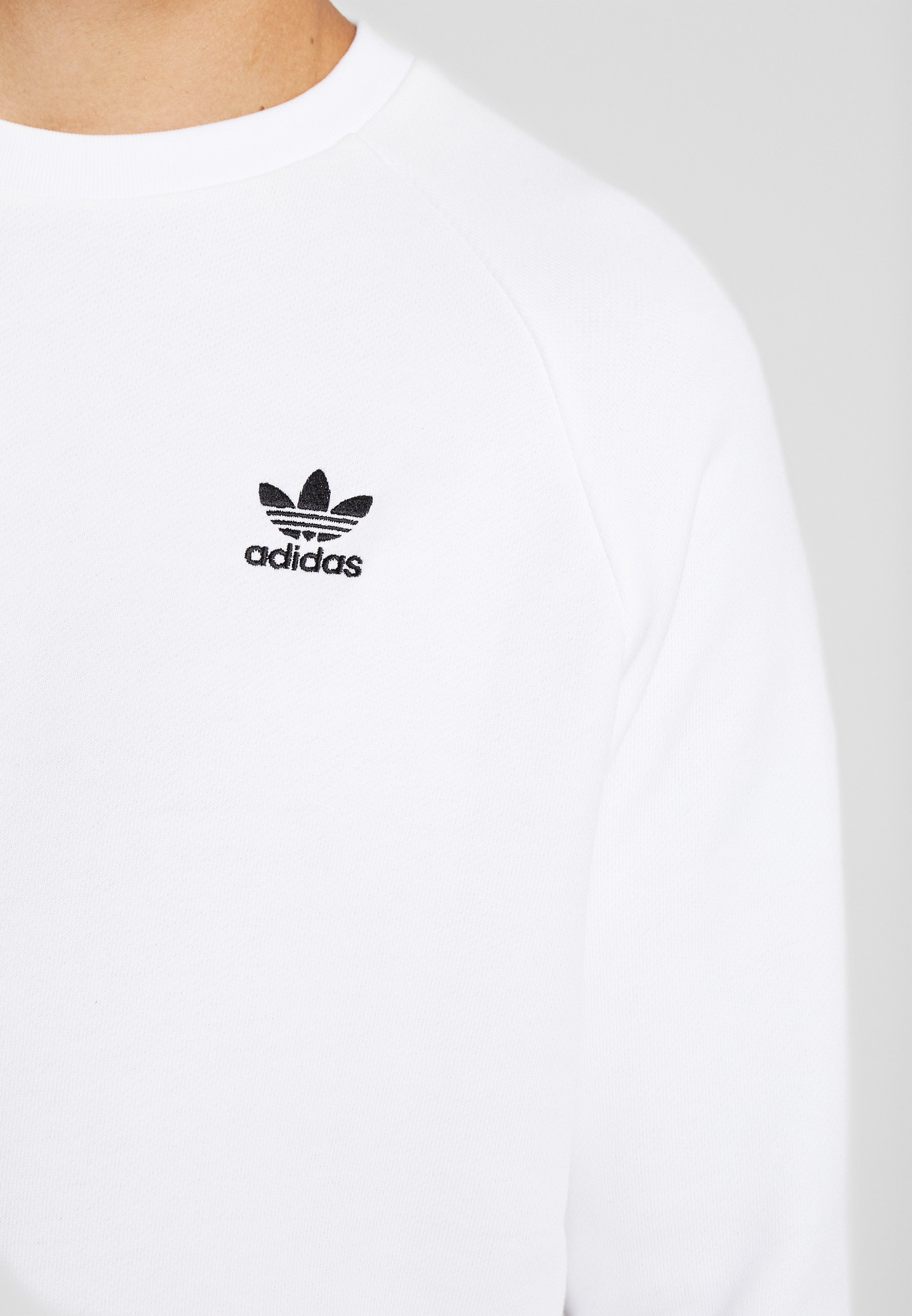 adidas Originals TREFOIL ESSENTIALS LONG SLEEVE PULLOVER - Sweatshirt - white/black TCqsPgWv