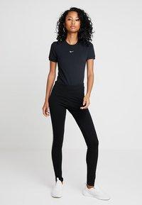 Nike Sportswear - W W NSW ESSNTL  - Basic T-shirt - black - 1