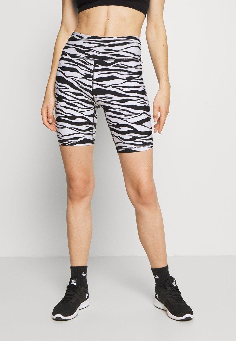 DKNY - ZEBRA PRINT HIGH WAIST BIKE SHORT INSEAM - Leggings - white