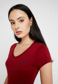 G-Star - EYBEN SLIM - T-shirt - bas - dry red - 4