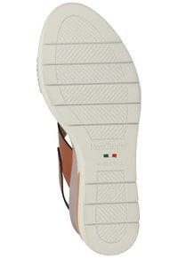 NeroGiardini - Wedge sandals - cognac - 4