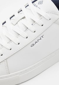 GANT - MC JULIEN  - Trainers - white/marine - 5