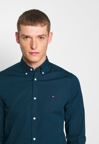 Tommy Hilfiger - SLIM STRETCH - Shirt - blue - 4