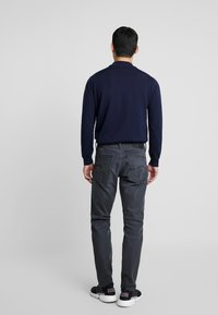 G-Star - 3301 STRAIGHT TAPERED - Jeans Straight Leg - kamden grey stretch denim - dry waxed pebble grey - 2