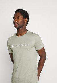 Marc O'Polo - SHORT SLEEVE - T-Shirt print - grey - 3