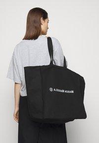 MM6 Maison Margiela - WASHED BERLIN BAG  - Tote bag - black - 0