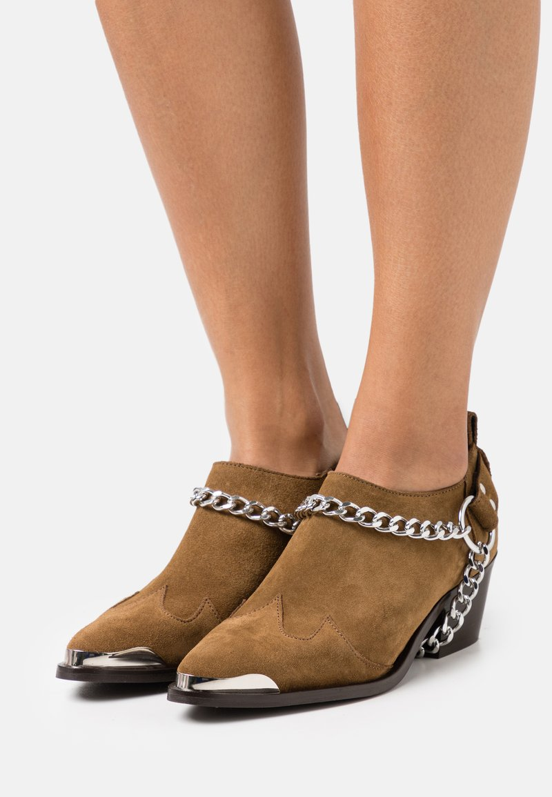 YAS - Ankle boots - biscuit