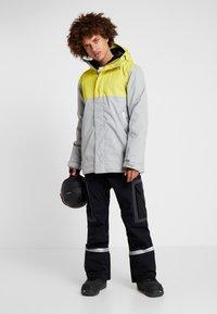 DC Shoes - DEFY  - Snowboardjas - yellow - 1
