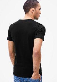 s.Oliver - 2 PACK - Undershirt - black - 2