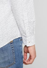 edc by Esprit - SLIM FIT - Hemd - white - 3