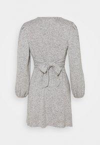 Dorothy Perkins Petite - TIE WASIT BRUSHED DRESS - Sukienka dzianinowa - grey - 1