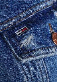 Tommy Jeans Curve - Džínová bunda - denim light - 4