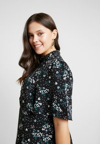 Fashion Union Plus - SIENNA STAR FLORAL - Day dress - multi - 4