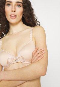 Chantelle - MONTAIGNE  - Underwired bra - rose sable - 3