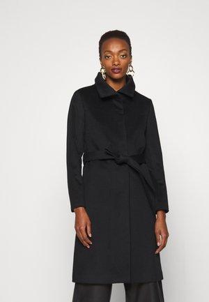CORIN - Klasický kabát - black