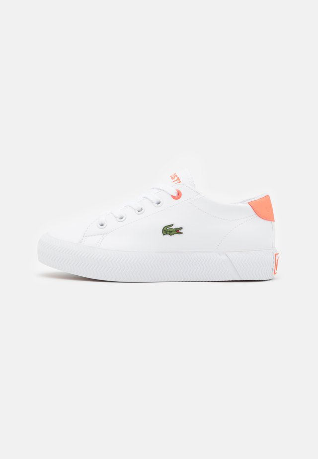 GRIPSHOT UNISEX - Trainers - white/pink
