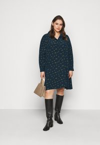 Glamorous Curve - HEART PRINT DRESS - Shirt dress - olive - 1