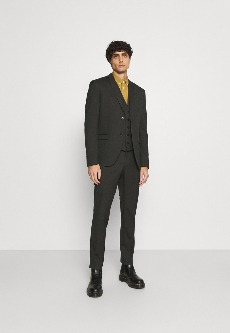 Isaac Dewhirst - SINGLE BREASTED SUIT - Kostym - green