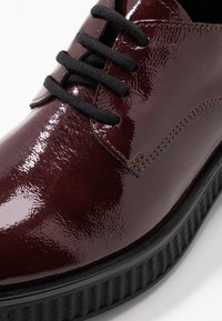 Bianco - BIACASS CHUNKY LACED UP DERBY - Lace-ups - winered - 2