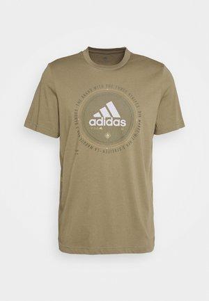 UNIVERSAL - T-shirt med print - cargo